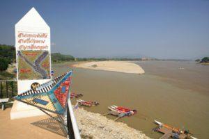 3 landen punt - Thailand Around The World Travel
