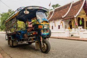 Dag 5 - Tuk tuk in Laos - Around The World Travel