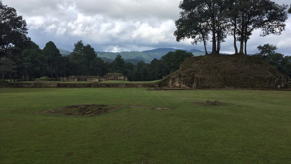 reis_2_dag_05_iximche_ruines - guatemala - around the world travel