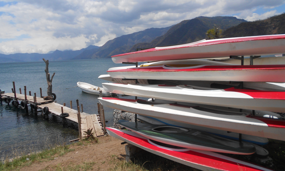 reis_2_dag_12_kajak_lake_atitlan - guatemala - around the world travel