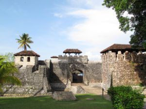 reis_3_dag_12_rio_dulce_castillo_de_san_felipe - guatemala - around the world travel