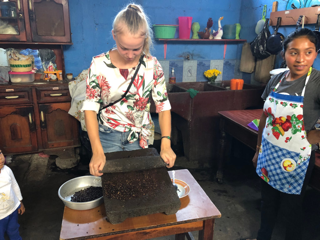 rondreis Guatemala - Around The World Travel - coffee_tour_2