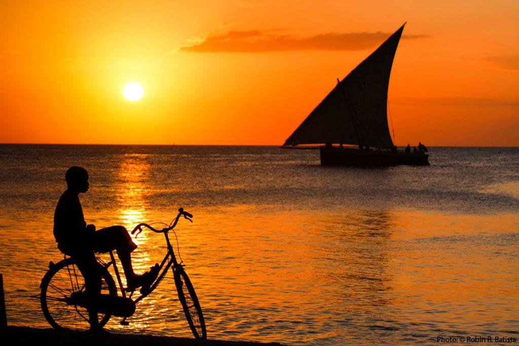 Dag 8 strand vakantie Zanzibar Sunset Cruise around the world travel
