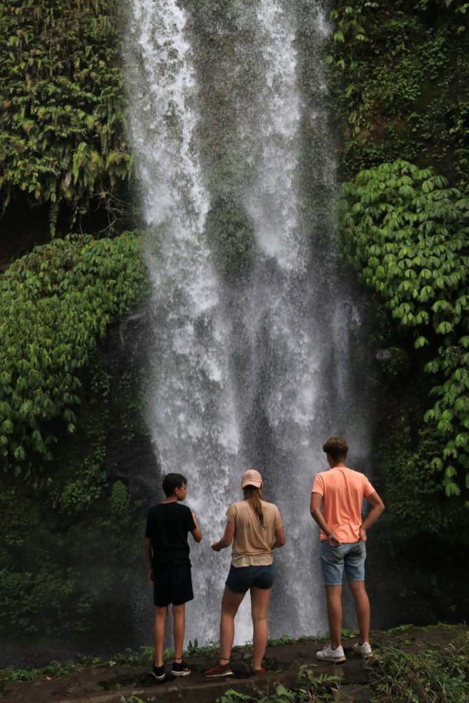 dag 14 - Familie Rondreis Indonesie - Around The World Travel waterval